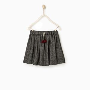 Zara girls gray skirt with teasels
